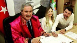 Belediye Başkanı baba,  oğlunun nikahını kıydı
