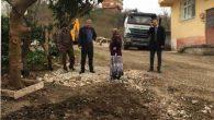 Başkan Karadere Adabük Mahallesinde Devam EdenBeton Yol Çalışmasını Yerinde inceledi